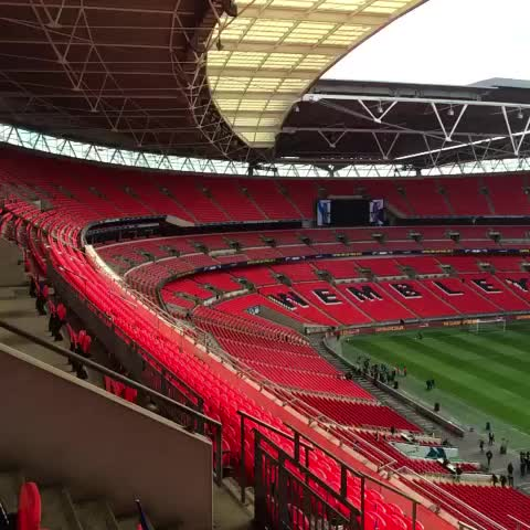 Vine by Chelsea FC - Wembley Stadium ahead of #Chelsea v Tottenham in the Capital One Cup final... #CFC #ChelseaFC