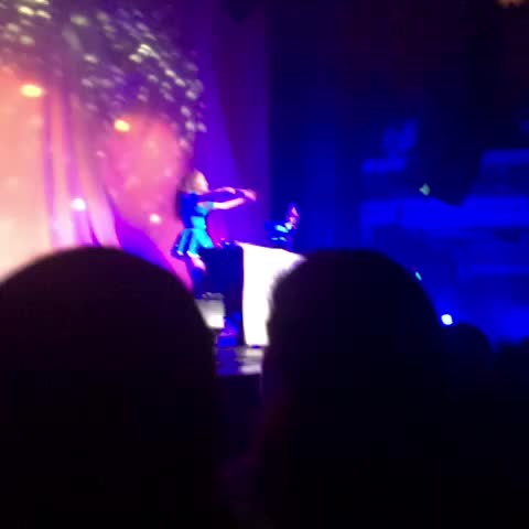 Vine by actually kordei - this nicki minaj concert :,)