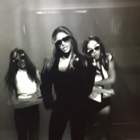 Vine by Vevo - Beyoncé + Fifth Harmony = perfection #BeyonceAlwaysOnBeat