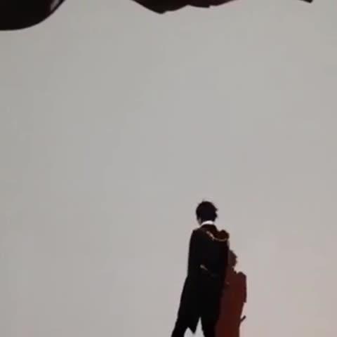 Vine by 霜月紫 - 刀剣乱舞で影絵殺陣パフォーマンス http://youtu.be/nNushriHQ4Q