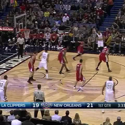 Vine by New Orleans Pelicans - EG with the crossover! Two points.