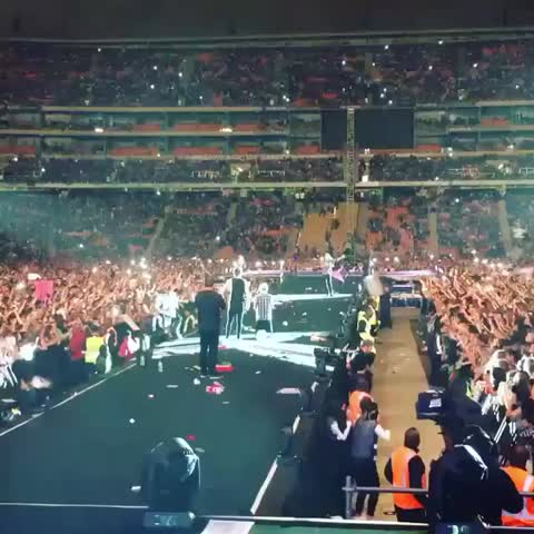 Vine by 1D Moments - Harry gave the crowd a free pass to throw whatever they wanted as hard as they wanted to so.. ???? #OTRAJohannesburg #OTRA #onedirection