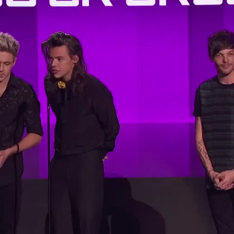 Vine by AMAs - No Thank YOU One Direction -- Favorite Duo/Group-Pop/Rock #AMAs