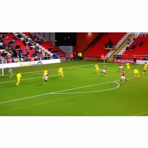 Vine by FOLLOW OUR TWITTER @ManUtds_News - Paddy McNair with a cool finish to put United U21s ahead in this local youth Derby! #MUFC