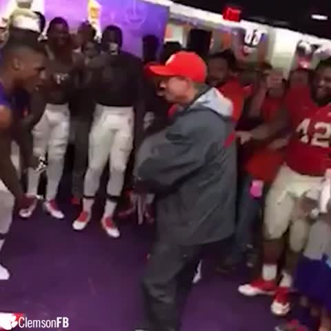 The livest locker room in the country... ???????? #ALLIN ???????? #Clemson - Vine by Clemson Tigers - The livest locker room in the country... 🔥💯 #ALLIN 🐅🐾 #Clemson