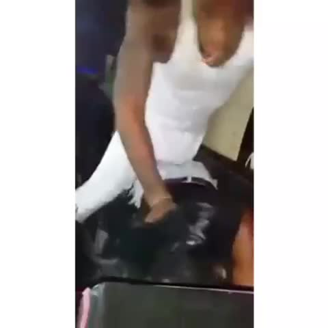 Bruh he just pulled her shit off ???????? - Vine by FamousTed - Bruh he just pulled her shit off 💀😂