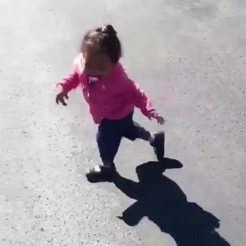 HER SHADOW SCARED HER????! LMAO FAILS - Vine by OMG FAILS - HER SHADOW SCARED HER😂! LMAO FAILS