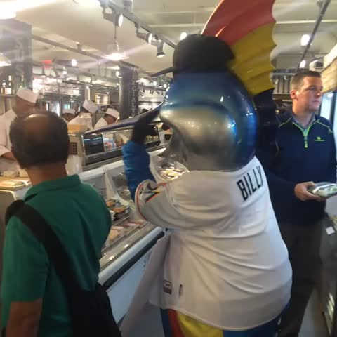 Watch miami marlins 39 s vine billy the marlin visits a for Fresh fish market miami
