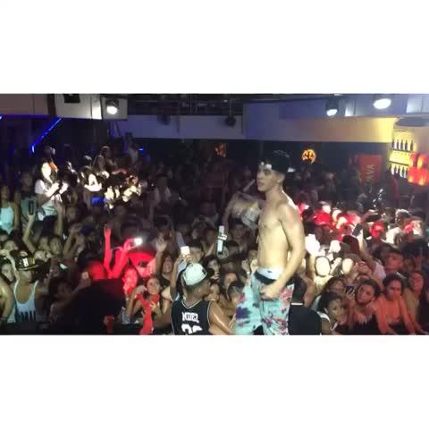 Vine by McBiel - Nem me deixaram cantar! QUE EMOÇÃO! Salvador-BA fez história hoje. ❤️