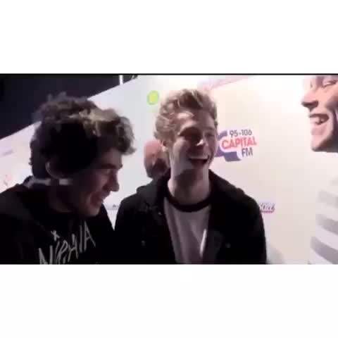 Vine by brOOke - I remember making a vine of their laughs for you to get 80k😂 wow you deserve this so so much 5sos clips ♡ #5sosclipsto120k