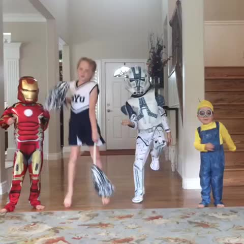 """Vine by ScottWarner - When Halloween costumes come in the mail, you put them on and do the """"Nay Nay"""" dance... 😂😂"""